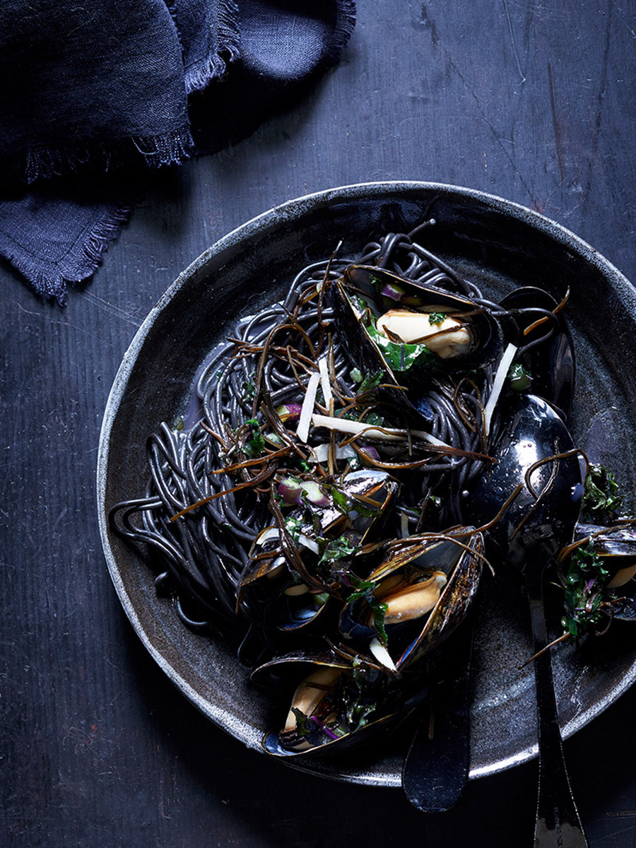 Squid_Ink_mussels_plated_dana_gallagher0006-2