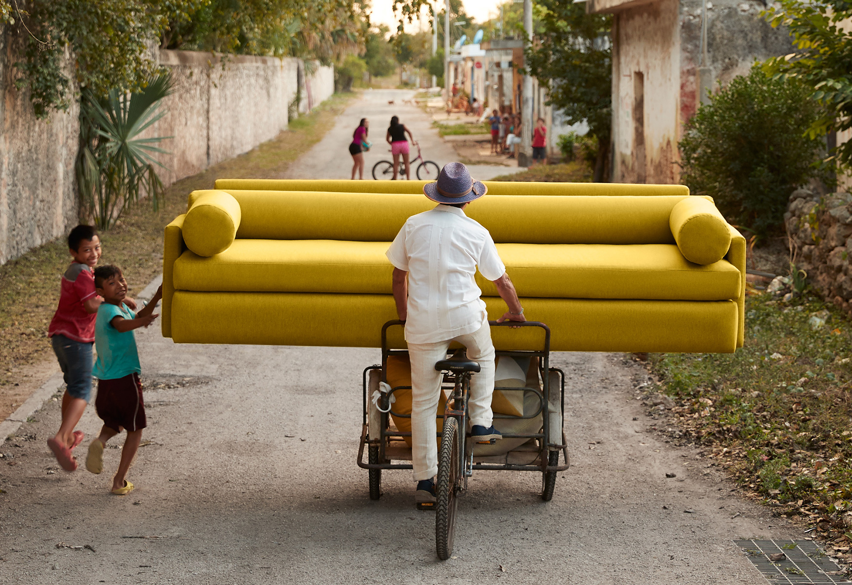 sofa_delivery_horiz